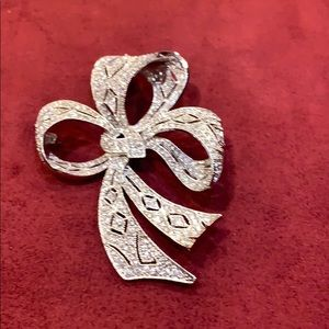 Spectacular Kenneth J Lane pave Bow Brooch